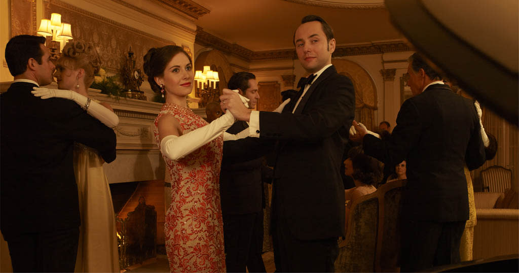 Trudy Campbell (Alison Brie) and Pete Campbell (Vincent Kartheiser) - Mad Men - Season 6