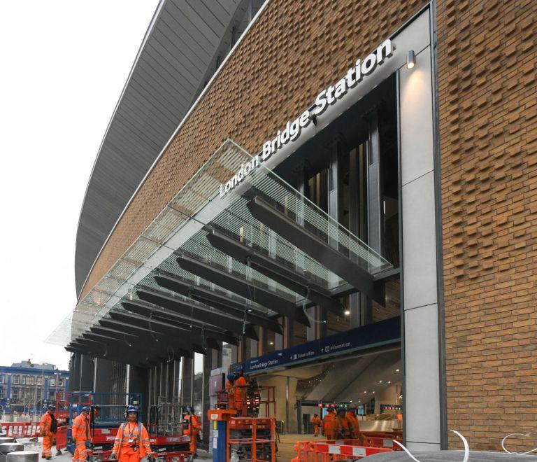 <p>Thameslink services will step up to 18 trains per hour in May and 20 per hour in December, with the full increase to 24 per hour not reached until December 2019. (Network Rail) </p>