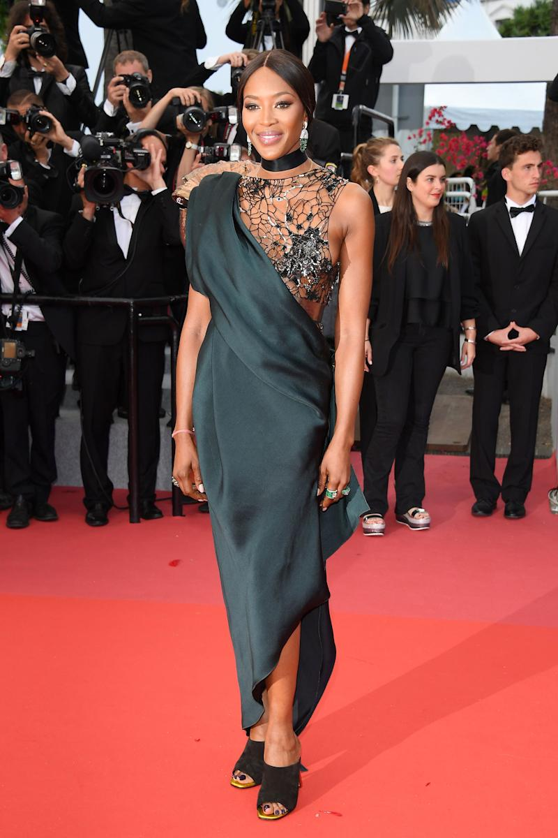 Naomi Campbell in Poiret