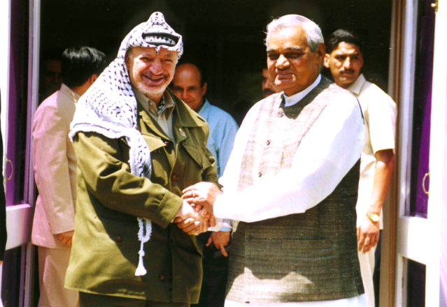 <p>Vajpayee with the Palestinian political leader Yasser Arafat. </p>
