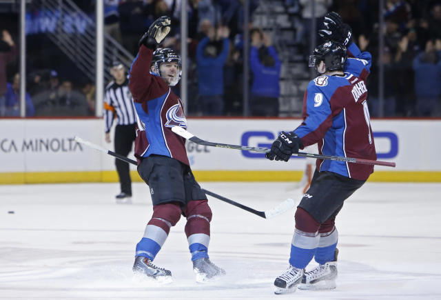 Old habits have Colorado Avalanche back in playoff race