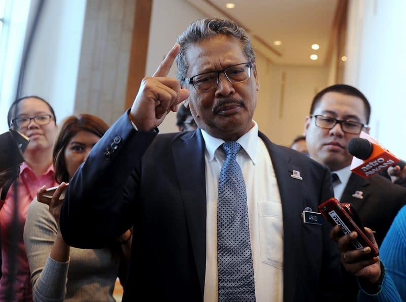 Apandi previously exonerated the former prime minister of any wrongdoing over the donation purportedly from an Arab prince as well as a RM42 million transfer from a former 1MDB subsidiary. — Bernama pic
