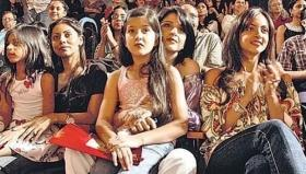 Here's an unseen pic of Suhana Khan and Shanaya Kapoor as kids