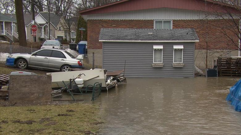 Heavy rain leads to flooded streets, basements in Montreal area