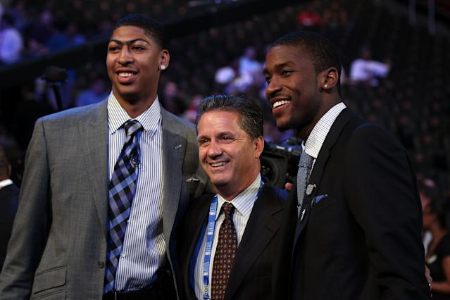 NEWARK, NJ - JUNE 28: (L-R) Anthony Davis, head coach John Calipari and Michael Kidd-Gilchrist of the Kentucky Wildcats pose during the first round of the 2012 NBA Draft at Prudential Center on June 28, 2012 in Newark, New Jersey. NOTE TO USER: User expressly acknowledges and agrees that, by downloading and/or using this Photograph, user is consenting to the terms and conditions of the Getty Images License Agreement. (Photo by Elsa/Getty Images)
