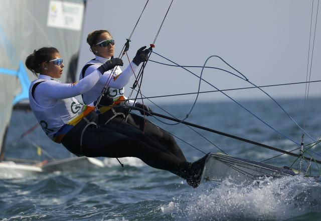 2016 Rio Olympics - Sailing - Preliminary - Women's Skiff - 49er FX - Race 7/8/9 - Marina de Gloria - Rio de Janeiro, Brazil - 15/08/2016. Victoria Jurczok (GER) of Germany and Anika Lorenz (GER) of Germany compete. REUTERS/Brian Snyder FOR EDITORIAL USE ONLY. NOT FOR SALE FOR MARKETING OR ADVERTISING CAMPAIGNS.