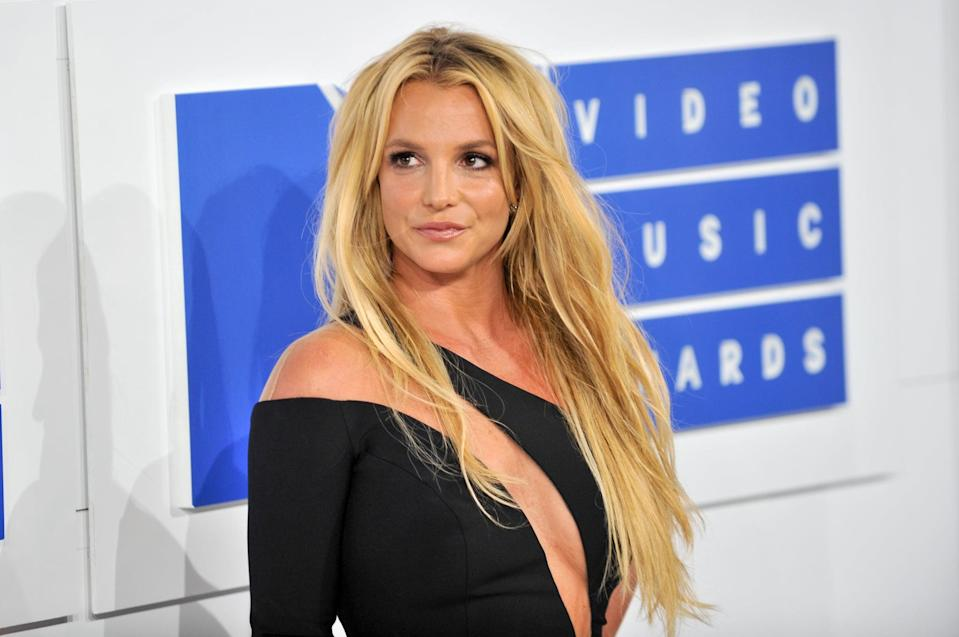 NEW YORK, NY - AUGUST 28:  Singer Britney Spears arrives at the 2016 MTV Video Music Awards at Madison Square Garden on August 28, 2016 in New York City.  (Photo by Allen Berezovsky/WireImage)