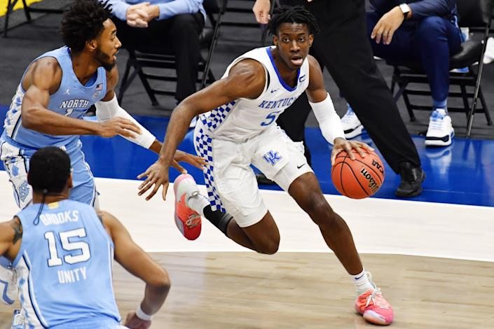 Kentucky guard Terrence Clarke (5) drives to the basket against North Carolina during a game on Dec. 19, 2020. Clarke died in a car accident on Thursday night. (Ken Blaze-USA TODAY Sports)
