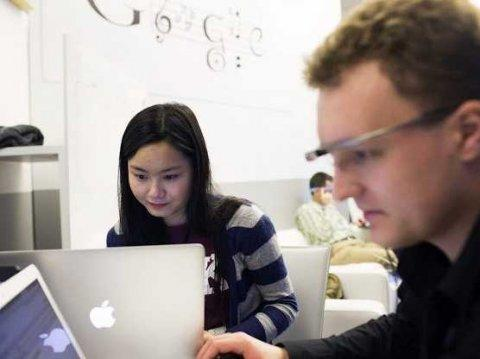 google's glass foundry developers working