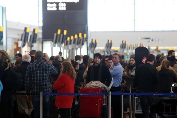 Hundreds of travellers stranded at Heathrow as more than 400 flights cancelled