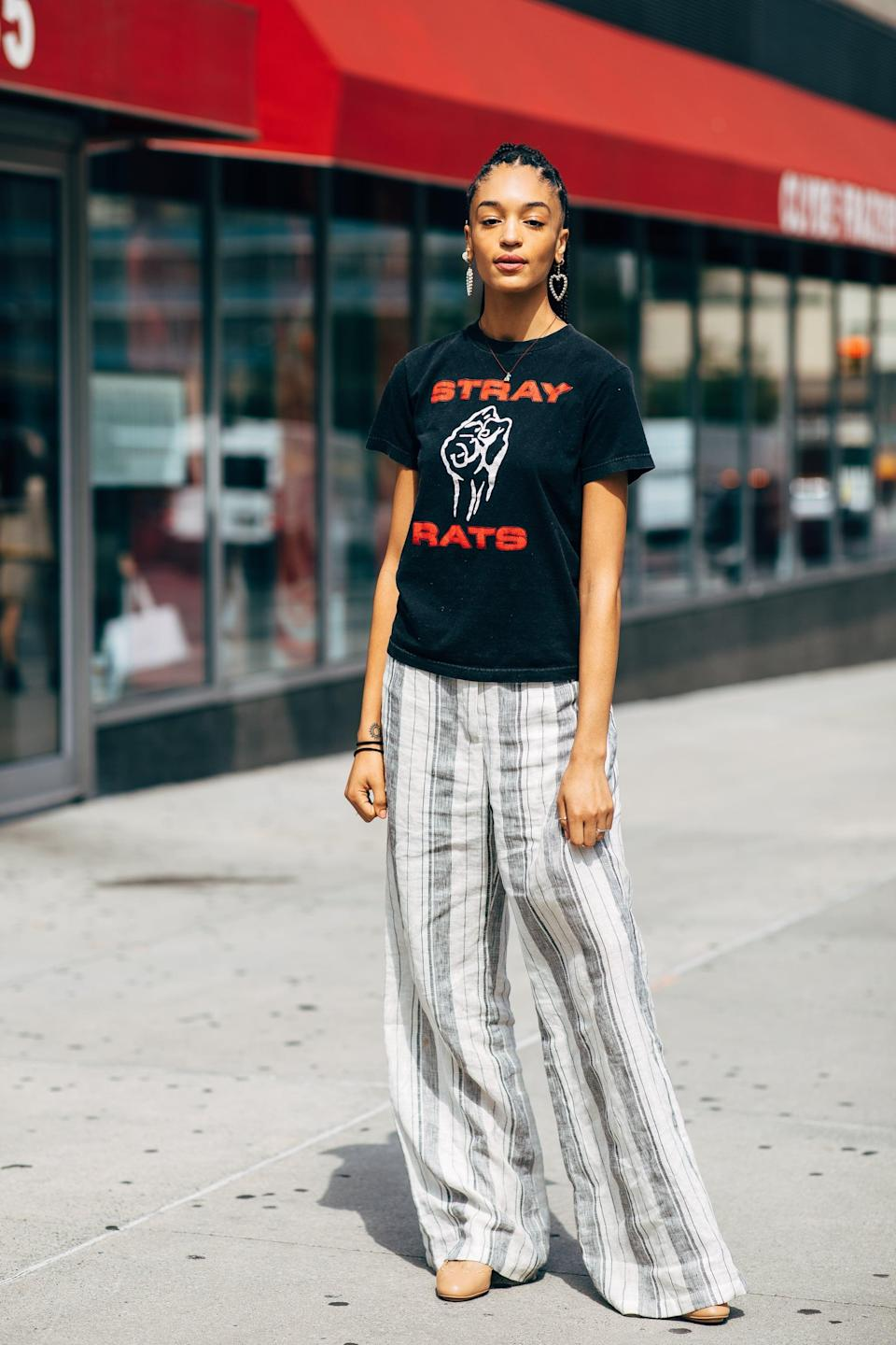 <p>Pair printed pants with a graphic tee. </p>