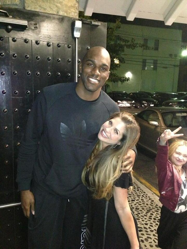 """Danielle Fishel: """"Notes abt this photo of @QuincyPondexter &me. I'm 5'1"""" & wearing 6inch heels here. Photo bomber is @SabrinaAnnLynn."""""""