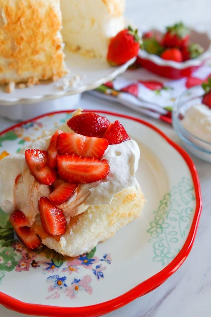 "<p>Impress Mom by making an angel food cake entirely from scratch. It's the perfect airy dessert for an outdoor celebration.</p><p><strong>Get the recipe at <a href=""https://www.thepioneerwoman.com/food-cooking/recipes/a99011/how-to-make-angel-food-cake/"" rel=""nofollow noopener"" target=""_blank"" data-ylk=""slk:Bake at 350"" class=""link rapid-noclick-resp"">Bake at 350</a>.</strong></p><p><strong><a class=""link rapid-noclick-resp"" href=""https://go.redirectingat.com?id=74968X1596630&url=https%3A%2F%2Fwww.walmart.com%2Fsearch%2F%3Fquery%3Dangel%2Bfood%2Bcake%2Bpan&sref=https%3A%2F%2Fwww.thepioneerwoman.com%2Ffood-cooking%2Fmeals-menus%2Fg36066375%2Fmothers-day-cakes%2F"" rel=""nofollow noopener"" target=""_blank"" data-ylk=""slk:SHOP ANGEL FOOD CAKE PANS"">SHOP ANGEL FOOD CAKE PANS</a><br></strong></p>"