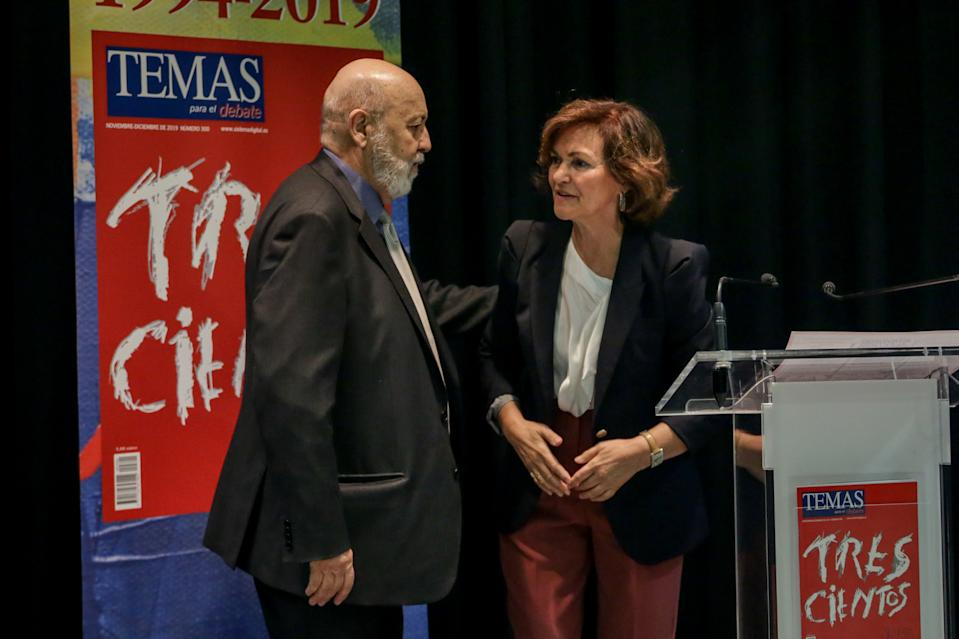 El presidente del CIS, Jose Felix Tezanos, y la vicepresidenta del Gobierno, Carmen Calvo. (Photo by Ricardo Rubio/Europa Press via Getty Images)