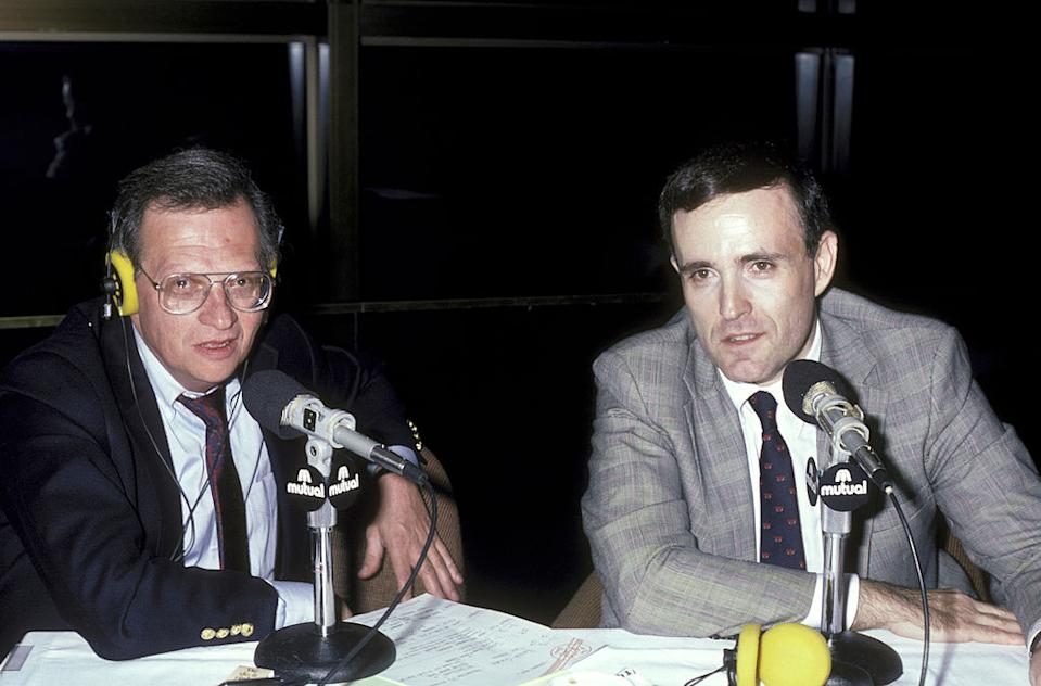 Larry King speaks with then-U.S. attorney Rudy Giuliani in 1986. (Photo: Ron Galella/Ron Galella Collection via Getty Images)
