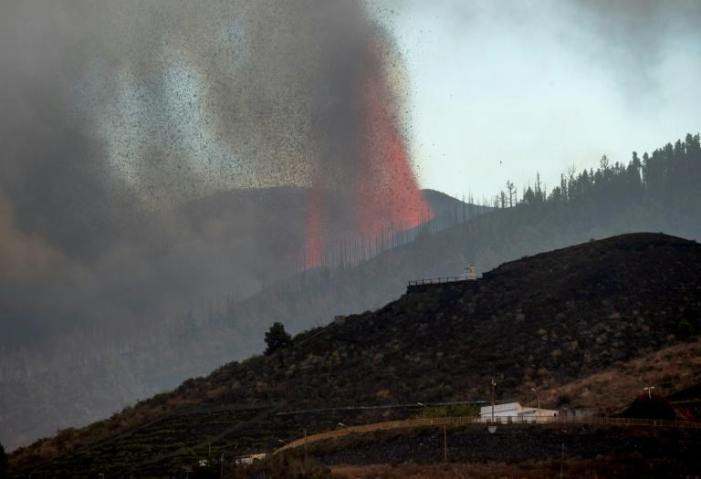 Experts believe the lava is likely to move southwest towards inhabited and wooded areas, before reaching the coast (AFP/DESIREE MARTIN)