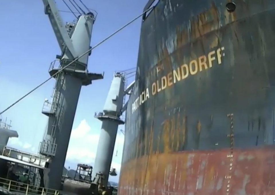 A photo of the side of the Patricia Oldendorff ship.