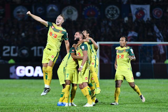 Youngster Farhan Roslan emerged Kedah's hero in their first leg FA Cup semi-final match against Terengganu, when he scored the only goal of the match.