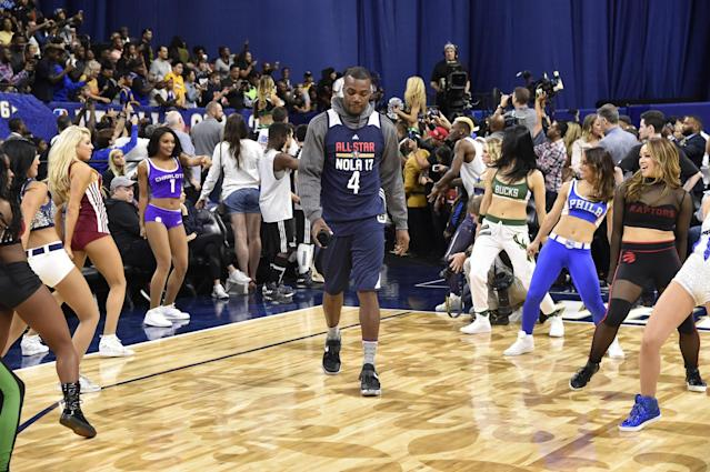 "<a class=""link rapid-noclick-resp"" href=""/nba/players/4175/"" data-ylk=""slk:Paul Millsap"">Paul Millsap</a> knows how to make an entrance. (Getty Images)"