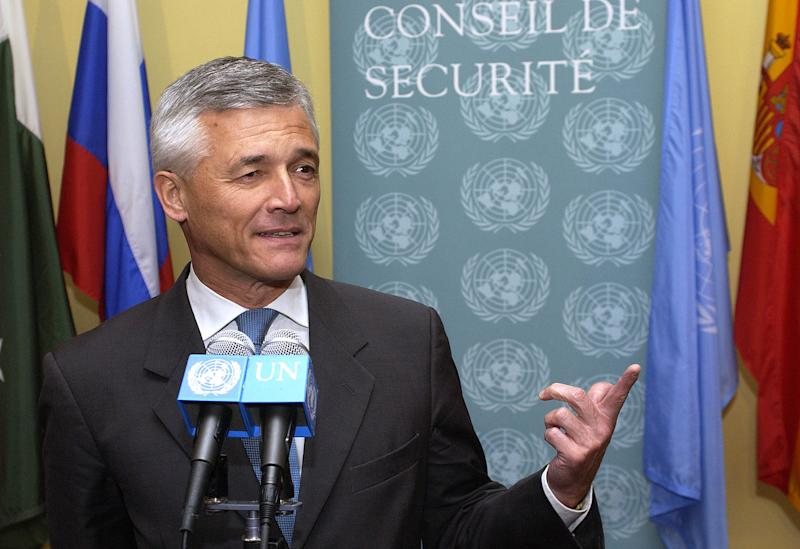 Sergio Vieira de Mello, Special Representative of the Secretary-General to Iraq, speaks at the United Nations in New York on July 22, 2003 after a delagation from Iraq addressed the Security Council. REUTERS/Chip East cme
