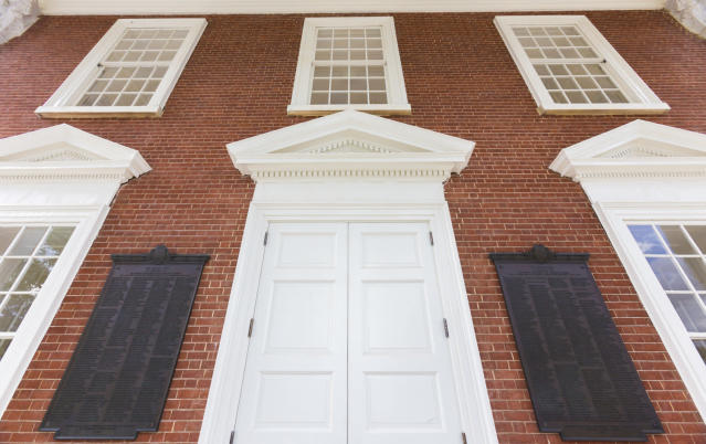 The board of visitors voted to remove the plaques commemorating former University of Virginia students who died fighting for the Confederacy in the Civil War. (Richard Dizon/The Cavalier Daily)