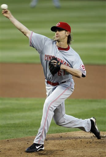 Cincinnati Reds starting pitcher Bronson Arroyo throws against the Washington Nationals during the first inning of a baseball game, Friday, April, 13, 2012, in Washington. (AP Photo/Pablo Martinez Monsivais)