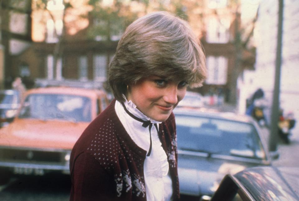 12th November 1980:  Lady Diana Spencer (1961 - 1997), fiancee of Prince Charles, leaving her home in West London.  (Photo by Central Press/Getty Images)
