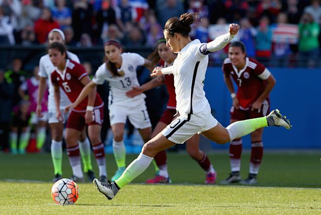 U.S. women move closer to Olympics with controversial victory over Mexico