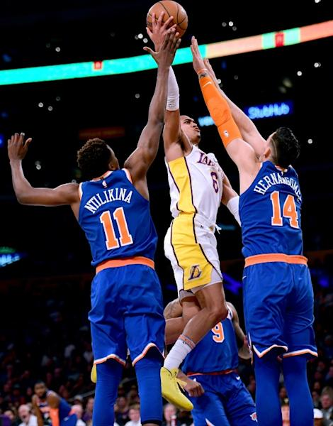 In Los Angeles, Jordan Clarkson (C) had 29 points and 10 assists as the Lakers beat the New York Knicks 127-107