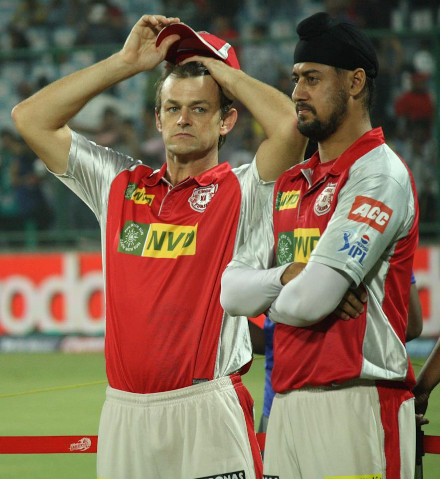 KXIP player Adam Gilchrist and Harmeet Singh during the awrad ceremony after the match between Delhi Daredevils and Kings XI Punjab at Feroz Shah Kotla, Delhi on April 23, 2013. (Photo: IANS)