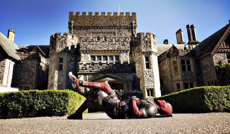 Deadpool heads to the X-Mansion - Credit: Twitter
