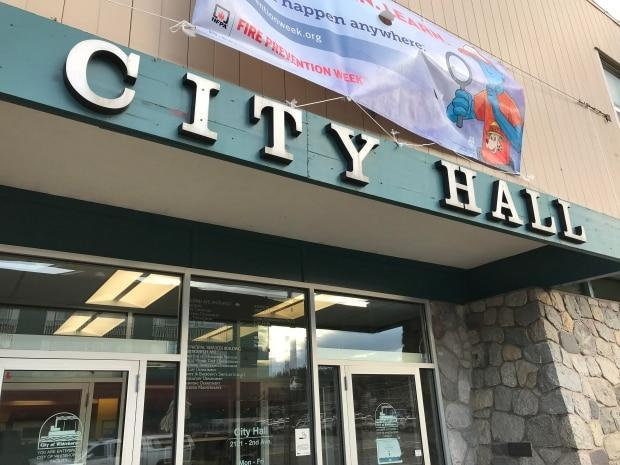 Whitehorse city hall. The list of candidates is set for the municipal elections on Oct. 21. Most communities will have a contest for mayor and council, although some candidates are acclaimed. (Wayne Vallevand/CBC - image credit)