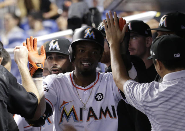 "<a class=""link rapid-noclick-resp"" href=""/mlb/players/8863/"" data-ylk=""slk:Dee Gordon"">Dee Gordon</a> is reportedly headed to Seattle after a trade with the Marlins. (AP)"