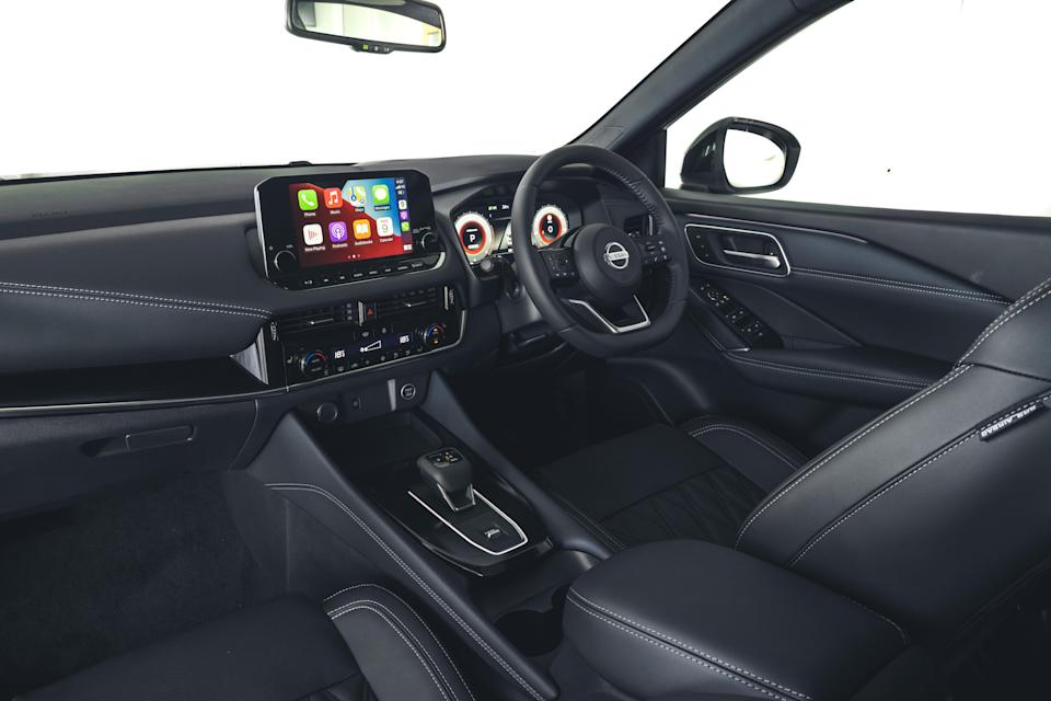 The Qashqai hasn't joined the fashion for everything being controlled via a touch screen (Nissan)
