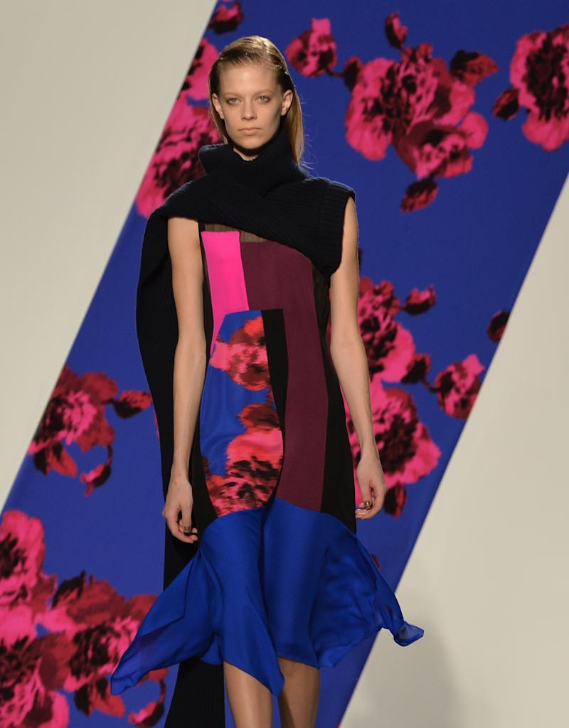 2019 year for lady- Collaborate to Thakoon with kohl