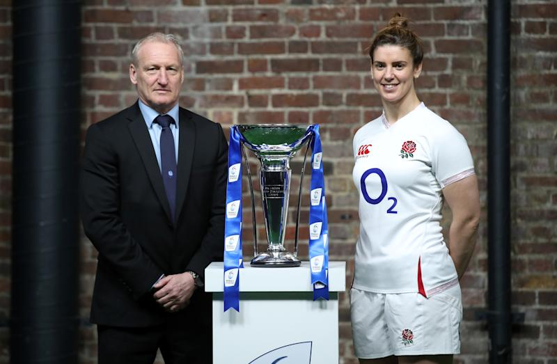 England head coach Simon Middleton and England's Sarah Hunter (Action Images via Reuters/Peter Cziborra)