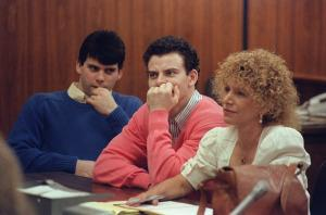From left: Lyle and Erik Menendez with defense attorney Leslie Abramson in court on Aug. 12, 1991.