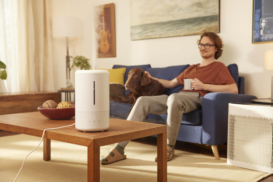 """<p>In addition to adding much-needed moisture back into the air, a humidifier can help reduce symptoms if you're prone to seasonal allergies or asthma. Before you make a purchase, figure out what type of device is best for your home and needs. There are cool and warm mist humidifiers, ultrasonic and evaporative humidifiers, and each has its pros and cons. The <a href=""""https://www.canadiantire.ca/en/pdp/noma-cool-mist-ultrasonic-humidifier-3-5-l-0437336p.html?utm_source=vrz&utm_medium=display&utm_campaign=10009368_21_CTS_JNJ_FALL&utm_content=10009368_21_CTS_JNJ_FALL_EN_VRZ_CONS_TR_CAN_UTM_1x1_Comfortable%20Home"""" rel=""""nofollow noopener"""" target=""""_blank"""" data-ylk=""""slk:NOMA Cool Mist Ultrasonic Humidifier"""" class=""""link rapid-noclick-resp"""">NOMA Cool Mist Ultrasonic Humidifier</a> features a convenient top-fill design and is perfect for large rooms (and kids' rooms thanks to the night light). If an ultrasonic humidifier is what you're after, we recommend the <a href=""""https://www.canadiantire.ca/en/pdp/crane-ultrasonic-cool-mist-humidifier-diffuser-0430700p.html?utm_source=vrz&utm_medium=display&utm_campaign=10009368_21_CTS_JNJ_FALL&utm_content=10009368_21_CTS_JNJ_FALL_EN_VRZ_CONS_TR_CAN_UTM_1x1_Comfortable%20Home"""" rel=""""nofollow noopener"""" target=""""_blank"""" data-ylk=""""slk:Crane Ultrasonic Cool Mist Humidifier & Diffuser"""" class=""""link rapid-noclick-resp"""">Crane Ultrasonic Cool Mist Humidifier & Diffuser</a>.</p>"""