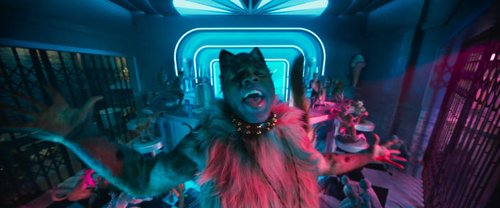 """This image released by Universal Pictures shows Jason Derulo as Rum Tum Tugger in a scene from """"Cats."""" (Universal Pictures via AP)"""