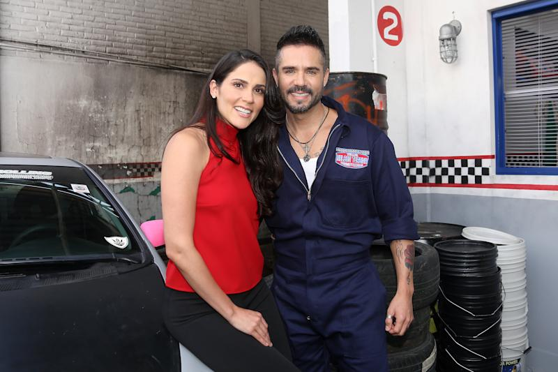 MEXICO CITY, MEXICO - OCTOBER 28: Eva Cedeño and José Ron poses for photos during the first day of filming of the movie 'Te doy la vida' on October 28, 2019 in Mexico City, Mexico. (Photo by Adrián Monroy/Medios y Media/Getty Images)
