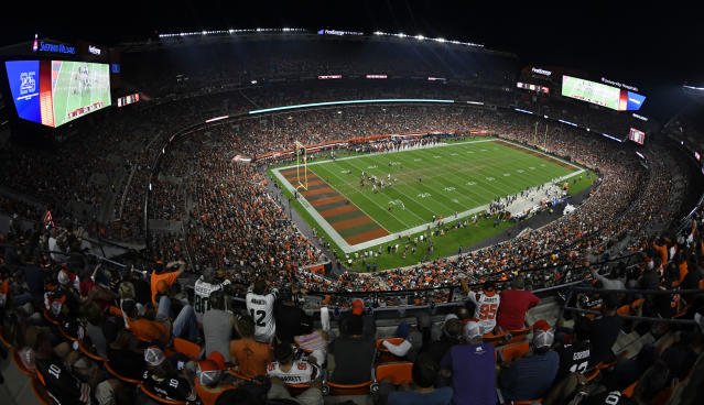 The New York Jets play the Cleveland Browns at FirstEnergy Stadium during the first half of an NFL football game Thursday, Sept. 20, 2018, in Cleveland. (AP Photo/David Richard)