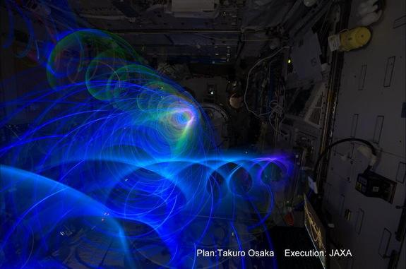 Japanese Astronaut Creates Amazing Light Spirals in Space (Photos)