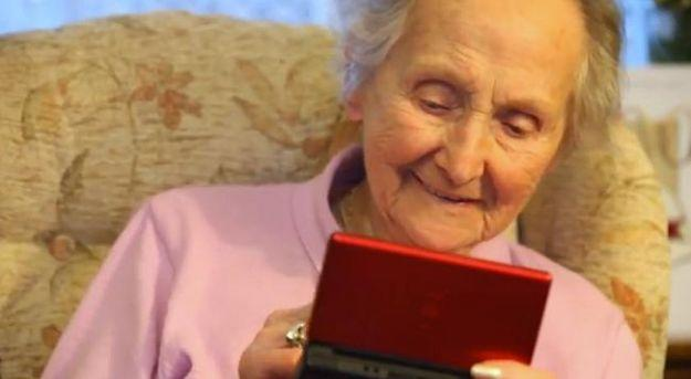 100-year-old Nintendo DS addict attributes sharp mind to gaming device