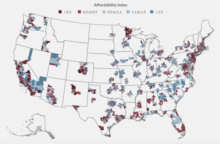 """The researchers use an index to illustrate the availability of affordable housing within school districts. A 1 means that there is enough rental property within a district to meet the needs of low-income families in the community. Less than 1 means there's a shortage and values over 1 mean there is a higher concentration of affordable housing options. The gold dots represent """"barrier borders"""" — lines where the least accessible districts meet those with the most affordable housing. The map displays the affordability index for the 200 largest metro areas in the U.S. (Bellwether Education Partners)"""