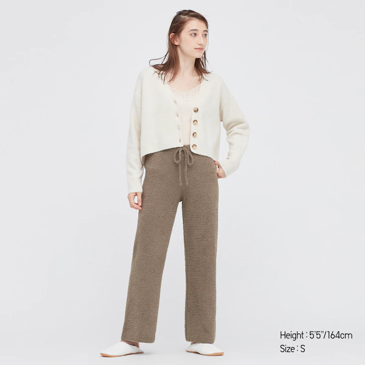 """<br><br><strong>Uniqlo</strong> Soft Fluffy Pants, $, available at <a href=""""https://go.skimresources.com/?id=30283X879131&url=https%3A%2F%2Fwww.uniqlo.com%2Fus%2Fen%2Fwomen-soft-fluffy-pants-441795.html"""" rel=""""nofollow noopener"""" target=""""_blank"""" data-ylk=""""slk:Uniqlo"""" class=""""link rapid-noclick-resp"""">Uniqlo</a>"""