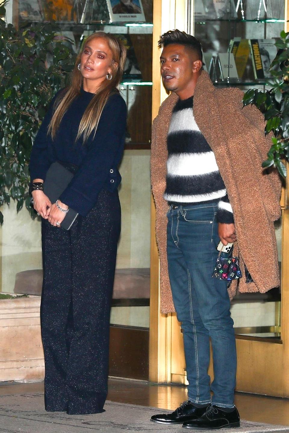 <p>Jennifer Lopez was spotted leaving the Sunset Towers with friend and voice coach Stevie Mackey in West Hollywood.</p>