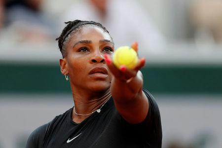 Tennis - French Open - Roland Garros, Paris, France - June 2, 2018 Serena Williams of the U.S. in action during her third round match against Germany's Julia Goerges REUTERS/Gonzalo Fuentes