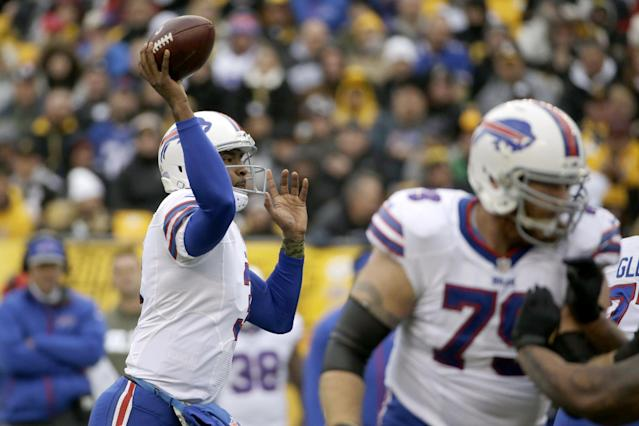 Buffalo Bills' EJ Manuel passes during the first half of an NFL football game against the Pittsburgh Steelers, Sunday, Nov. 10, 2013, in Pittsburgh. (AP Photo/Gene J. Puskar)