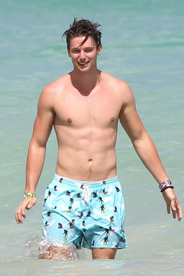 Í93065, MIAMI, FLORIDA - Sunday March 24, 2013. Patrick Schwarzenegger with friends playing football and splashing around in the ocean during Spring Break in Miami Beach. **GERMANY, SWITZERLAND, AUSTRIA, ITALY, SPAIN, PORTUGAL & SOUTH AMERICA OUT**Photograph: © PacificCoastNews.com **FEE MUST BE AGREED PRIOR TO USAGE** **E-TABLET/IPAD & MOBILE PHONE APP PUBLISHING REQUIRES ADDITIONAL FEES** LOS ANGELES OFFICE: +1 310 822 0419 LONDON OFFICE: +44 20 8090 4079