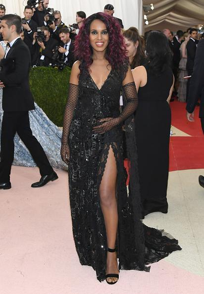 <p>Kerry Washington announced her happy news the same week as the 'Manus x Machina: Fashion In An Age Of Technology' Met Gala. She turned up looking incredibly FIERCE. <i>[Photo: Getty]</i></p>